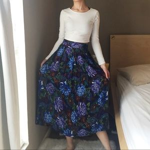 Norton McNaughton Floral Skirt.-J7.
